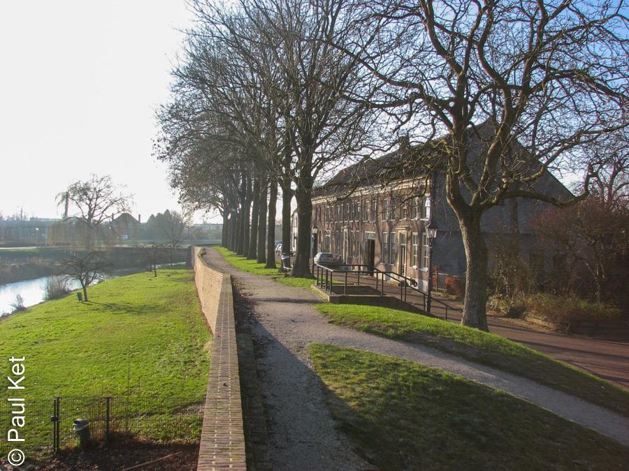 "Taken at Latitude/Longitude:51.911598/5.336776. 0.33 km East Buren Gelderland Netherlands <a href=""http://www.geonames.org/maps/google_51.911598_5.336776.html""> (Map link)</a>"