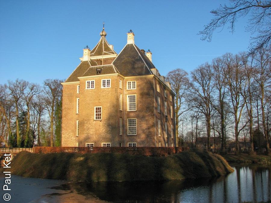 "Taken at Latitude/Longitude:51.909664/5.400551. 0.35 km South-West Zoelen Gelderland Netherlands <a href=""http://www.geonames.org/maps/google_51.909664_5.400551.html""> (Map link)</a>"
