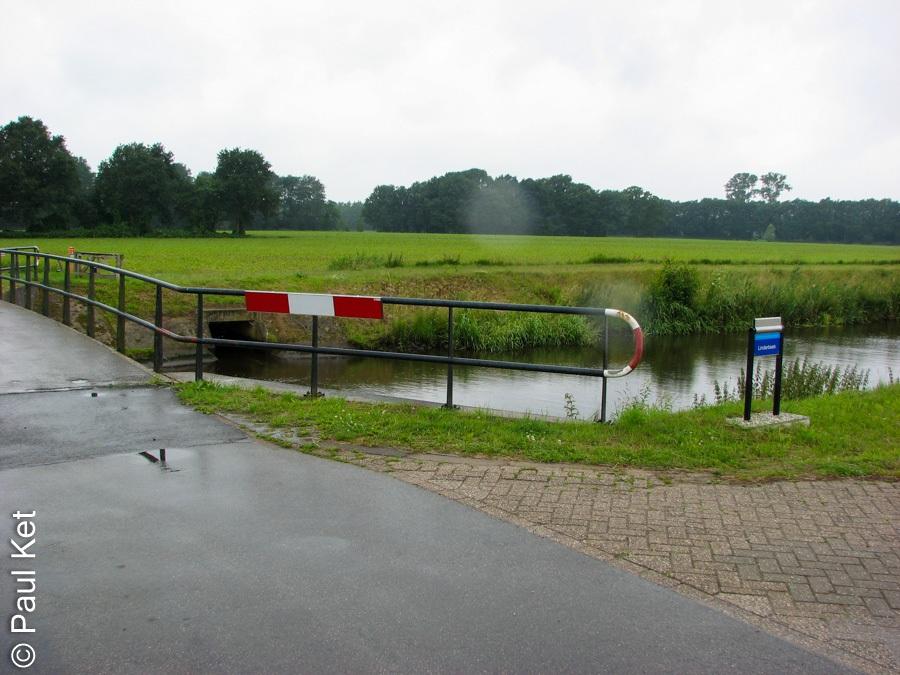 "Taken at Latitude/Longitude:52.479887/6.452529. 0.94 km East Archem Overijssel Netherlands <a href=""http://www.geonames.org/maps/google_52.479887_6.452529.html""> (Map link)</a>"