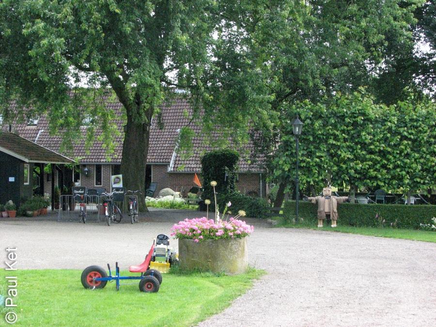 "Taken at Latitude/Longitude:52.497156/6.243781. 0.86 km North-West Millingen Overijssel Netherlands <a href=""http://www.geonames.org/maps/google_52.497156_6.243781.html""> (Map link)</a>"