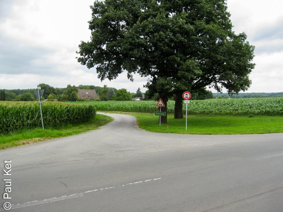 "Taken at Latitude/Longitude:51.495887/6.507576. 0.70 km South-East Kamperbrück North Rhine-Westphalia Germany <a href=""http://www.geonames.org/maps/google_51.495887_6.507576.html""> (Map link)</a>"