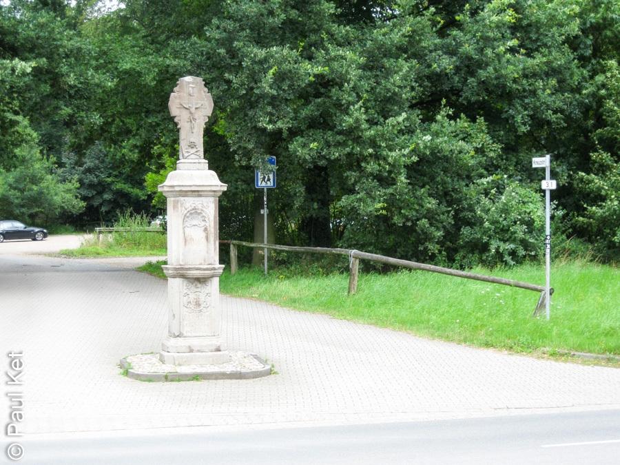 "Taken at Latitude/Longitude:51.491985/6.514215. 0.91 km South Kamper Berg North Rhine-Westphalia Germany <a href=""http://www.geonames.org/maps/google_51.491985_6.514215.html""> (Map link)</a>"