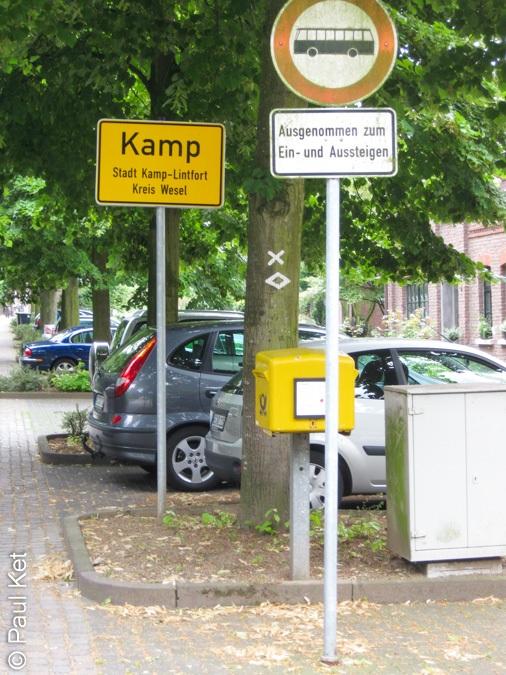 "Taken at Latitude/Longitude:51.491756/6.513995. 0.94 km South Kamper Berg North Rhine-Westphalia Germany <a href=""http://www.geonames.org/maps/google_51.491756_6.513995.html""> (Map link)</a>"