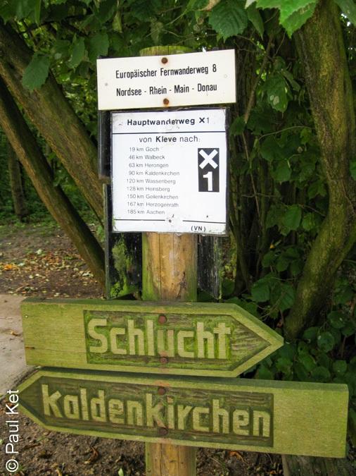 "Taken at Latitude/Longitude:51.294351/6.142026. 1.08 km South Heidenend North Rhine-Westphalia Germany <a href=""http://www.geonames.org/maps/google_51.294351_6.142026.html""> (Map link)</a>"