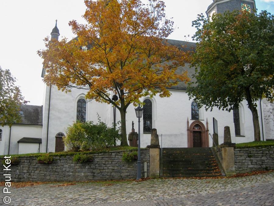 "Taken at Latitude/Longitude:51.116965/8.591619. 2.52 km South-West Liesen North Rhine-Westphalia Germany <a href=""http://www.geonames.org/maps/google_51.116965_8.591619.html""> (Map link)</a>"