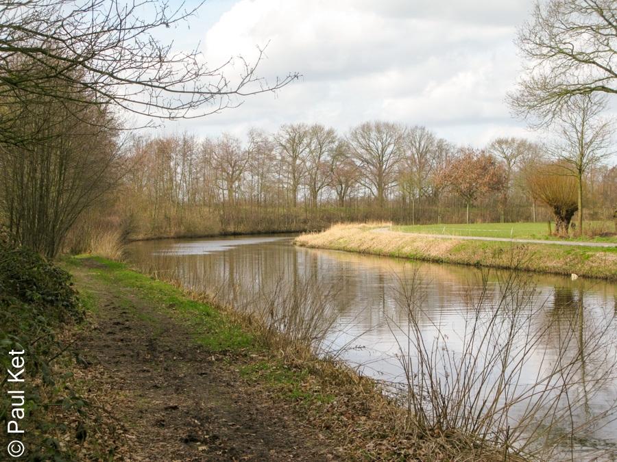 "Taken at Latitude/Longitude:52.074898/5.469660. 1.31 km North-West Holevoet Gelderland Netherlands <a href=""http://www.geonames.org/maps/google_52.074898_5.469660.html""> (Map link)</a>"