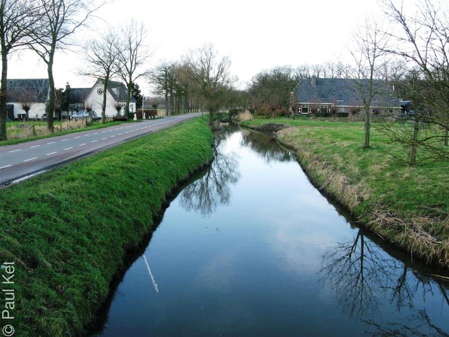 "Taken at Latitude/Longitude:52.002057/5.349943. 1.91 km South-East Langbroek Utrecht Netherlands <a href=""http://www.geonames.org/maps/google_52.002057_5.349943.html""> (Map link)</a>"