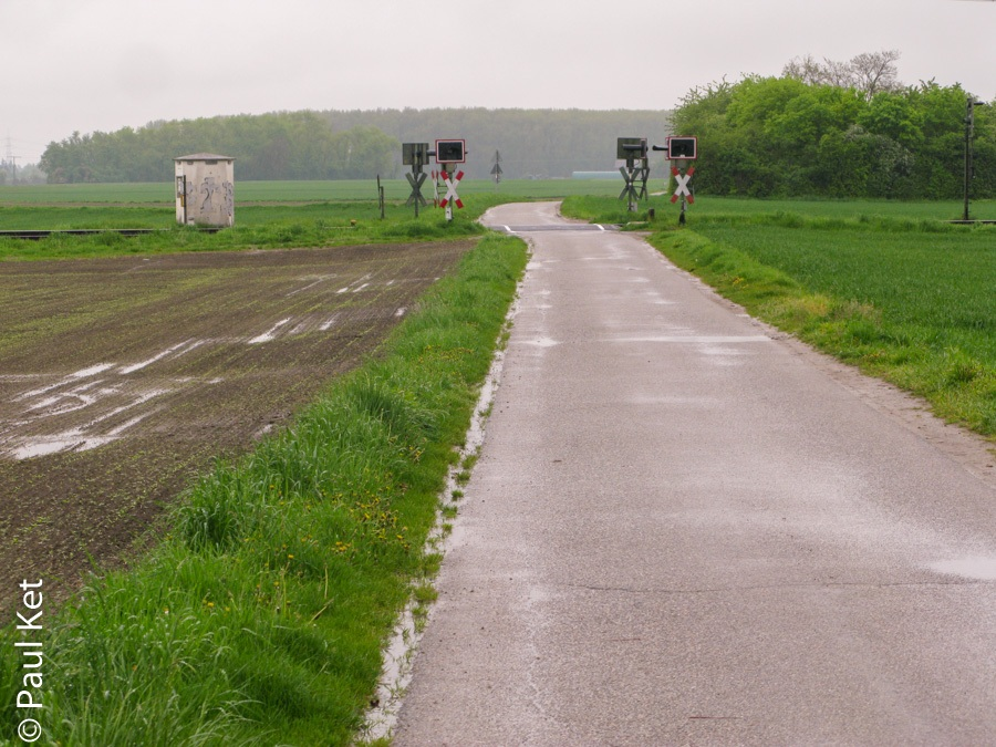 "Taken at Latitude/Longitude:49.662601/8.420370. 0.74 km North-East Hofheim Hesse Germany <a href=""http://www.geonames.org/maps/google_49.662601_8.420370.html""> (Map link)</a>"