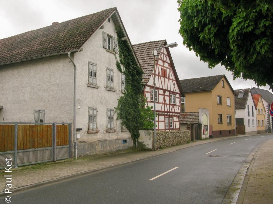 "Taken at Latitude/Longitude:49.717214/8.549617. 0.27 km South-West Langwaden Hesse Germany <a href=""http://www.geonames.org/maps/google_49.717214_8.549617.html""> (Map link)</a>"